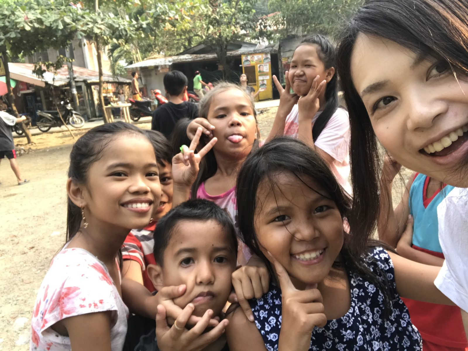 フィリピン⑦ 子どもボランティア青空教室へ
